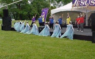 Teresa Narraway dancers
